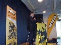 Bart De Wever aan het woord voor een muisstille zaal
