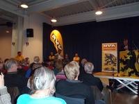 Moderator Andries Gryffroy stelt de vragen vanuit het publiek